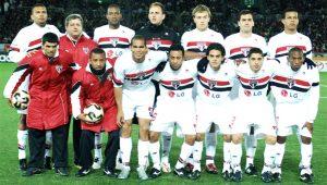 Ex-Liverpool lamenta derrota para o SPFC em 2005: 'Eles tinham um time enorme'