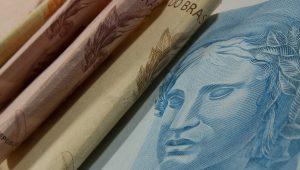 Dívida pública federal passa de R$ 4,5 trilhõescom alta de 2,59% em setembro