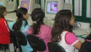 Brasil é segundo pior país em oferta de computadores para estudantes de 15 anos