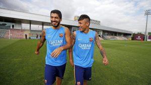 Suárez volta a comentar possível chegada de Neymar ao Barcelona: 'Gostaria ver ele feliz e jogando'