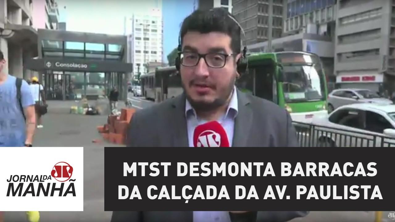 MTST desmonta barracas da calçada da Av. Paulista