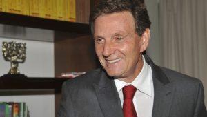 Bolsonaro reforça laço com Crivella e vai aumentar repasses à Saúde do RJ