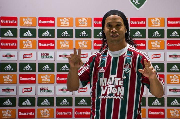 Sem marcar gols, Ronaldinho Gaúcho rescinde contrato e deixa de ser jogador  do Fluminense | Jovem Pan