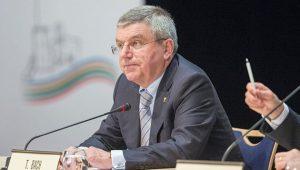 Olimpíada não é 'jogo de futebol', diz presidente do COI sobre adiamento dos Jogos