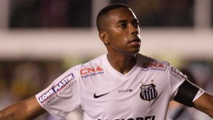 Santos admite interesse e Robinho fala em baixar salário para voltar