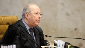 Ministro Celso de Mello se interna para cirurgia no quadril