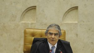Ex-ministro do STF, Carlos Ayres Britto será o entrevistado do Direto ao Ponto