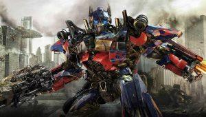 Franquia 'Transformers' contrata dois roteiristas para expandir universo