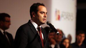 Atual governador de Pernambuco, e em busca da reeleição, Paulo Câmara lidera pesquisa