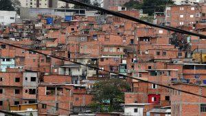 Mesmo com mutirão, moradores de Paraisópolis temem perder imóveis