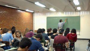 SP: Doria assina decreto que aumenta salários de professores em até 12,84%