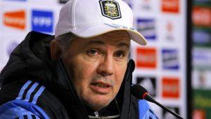 Treinador da Argentina na Copa do Mundo de 2014 é internado