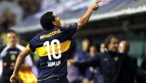 Treta! Maradona critica Riquelme, candidato a vice-presidente do Boca: 'Se vendeu'