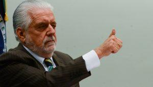 Juíza proíbe propaganda que associa Jaques Wagner a esquema de corrupção