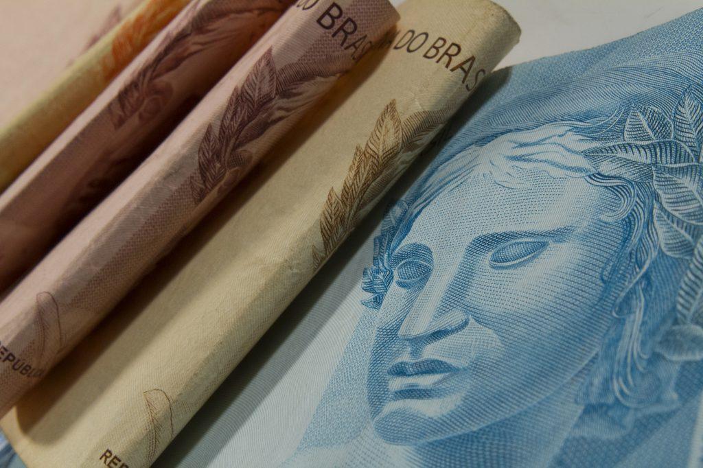 Taxas de fundo de renda fixa já comem 36% do lucro do pequeno investidor – Jovem Pan