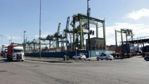 PF encontra 540kg de cocaína em carga de açúcar no Porto de Santos