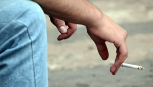 Andar pode te ajudar a parar de fumar, sabia?