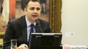 Com carta pela democracia, Rodrigo Pacheco oficializa candidatura à presidência do Senado