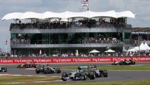 Boris Johnson busca isentar Fórmula 1 de quarentena obrigatória, diz site