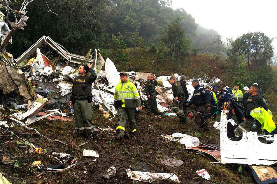Destroços do avião que transportava a equipe da Chapecoense