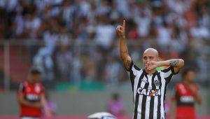 Fábio Santos se despede do Atlético-MG e fecha com o Corinthians; veja detalhes