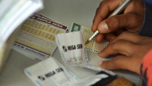 Mega-Sena acumula e próximo sorteio deve pagar R$ 38 milhões; veja os números