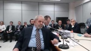 Lula dá depoimento em interrogatório comandado por Sergio Moro