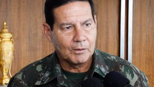 Marcelo Madureira: General Mourão, mais uma vez, erra o passo da tropa