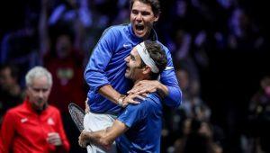 Igualado, Federer dá show de humildade e faz linda homenagem a Nadal: 'Você merece'