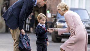 Príncipe William em seu 1º dia de aula na Thomas's Battersea School
