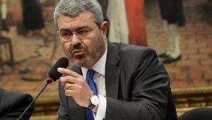 Advogado Eduardo Carnelós defende Temer na CCJ da Câmara