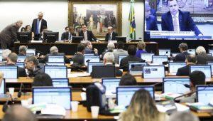 Deputados apresentam argumentos sobre a segunda denúncia contra Michel Temer