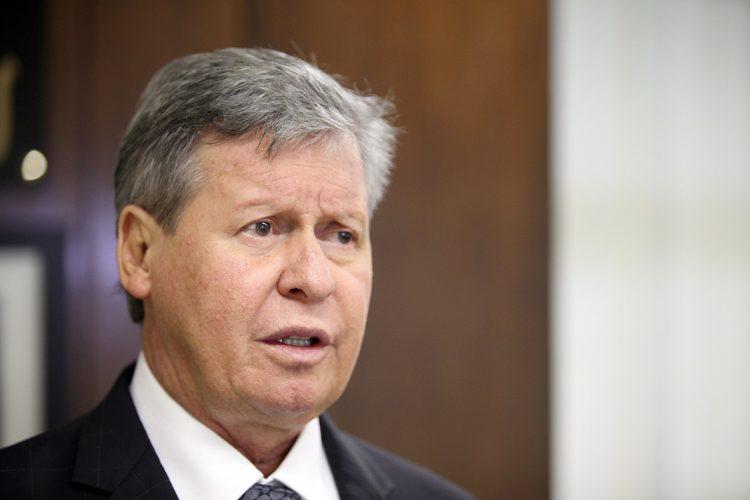 O ex-prefeito de Manaus Arthur Virgílio falando