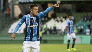 Ramiro garantiu a vitória do Grêmio ante o Coritiba, no Couto Pereira