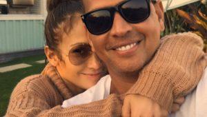 Jennifer Lopez e o namorado, o ex-jogador de baseball Alex Rodriguez