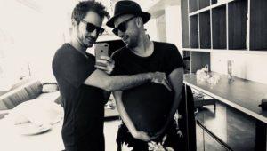 """Paulo Gustavo e o marido revelam que estão """"grávidos"""" de gêmeos"""