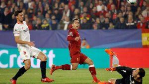 Firmino fez dois gols diante do Sevilla, pela Liga dos Campeões