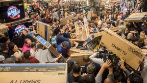 Parcelar compras pode ser um problema: Como evitar dívidas na Black Friday?