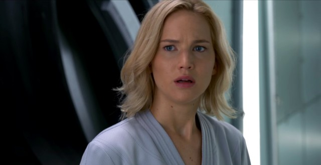 Jennifer Lawrence posa para revista e fala sobre vazamento