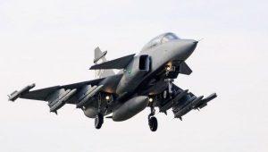 Primeiro caça sueco Gripen da FAB deve chegar a São Paulo nos próximos dias