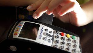 Câmara aprova MP que permite empréstimo por maquininha de cartão