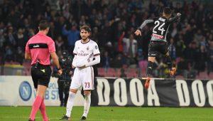 Insigne comemora gol contra o Milan