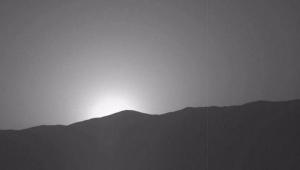Céu fica mais avermelhado durante o dia em Marte