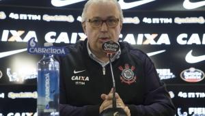 Diretor do Corinthians revela posição que o clube busca no mercado: 'A tal cereja do bolo'