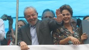 Lula participa de ato junto a militância do PT em Porto Alegre