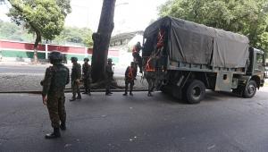 Bolsonaro diz que excludente de ilicitude para militar valeria somente para GLO