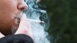 Covid-19: Fumantes têm mais chances de ter agravamento respiratório, dizem especialistas