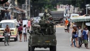 Bolsonaro atribui às Forças Armadas garantia da 'democracia e liberdade'