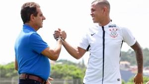 Médico do Corinthians evita projetar retorno do futebol: 'É uma 3ª Guerra Mundial'