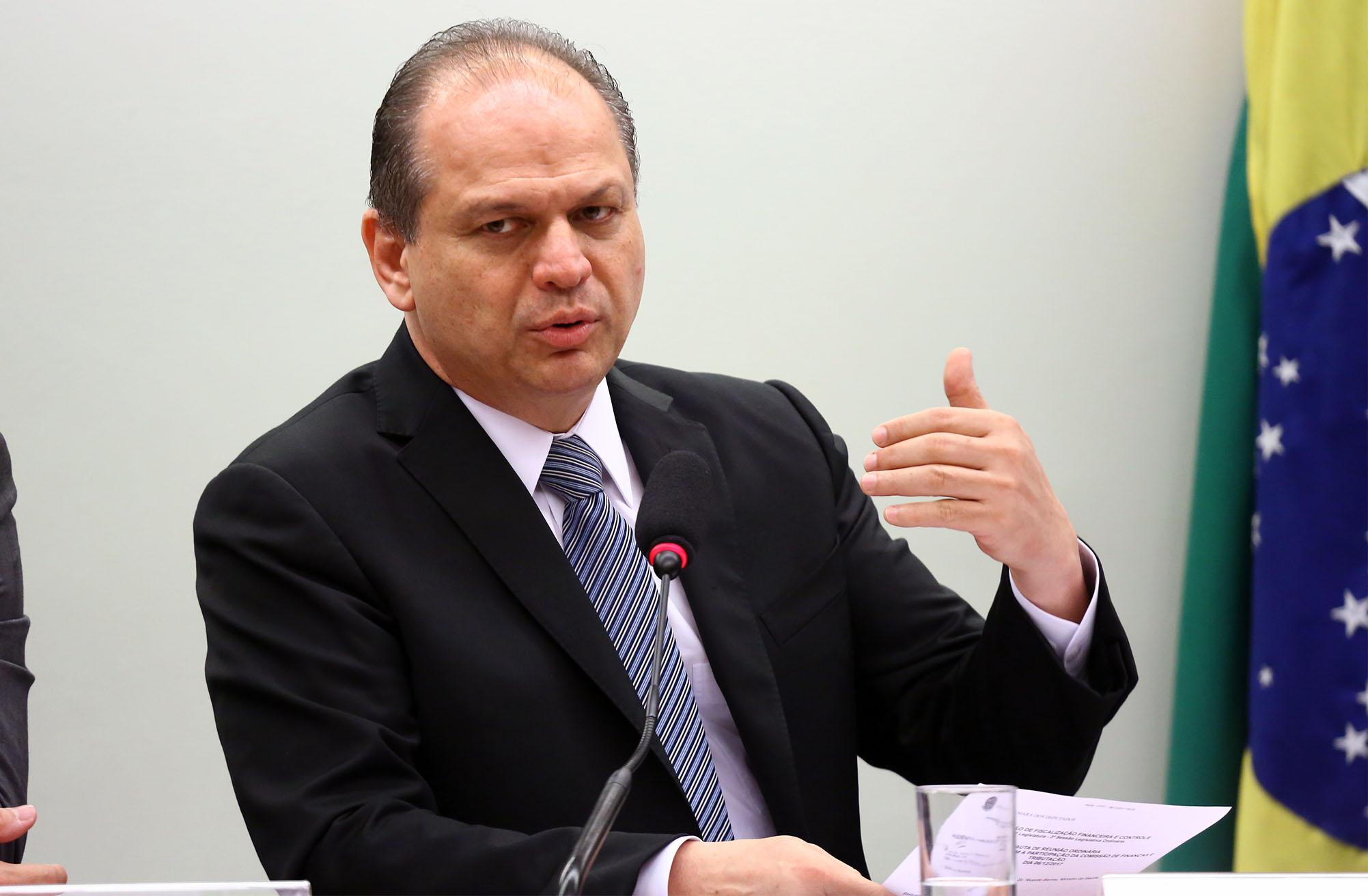 Mudança nos ministérios visa acelerar calendário de entrega de vacinas, afirma Ricardo Barros